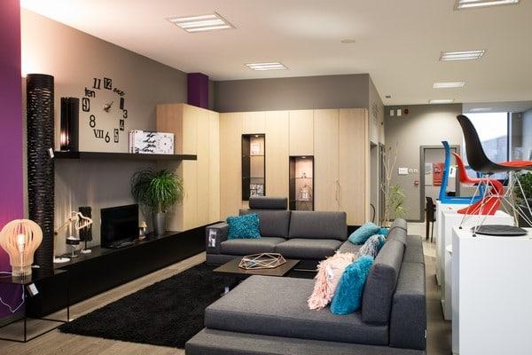 Salons et canapés dans notre showroom à Malmedy (Verviers)