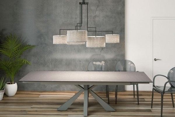 Tables des plus grandes marques en exposition dans notre showroom