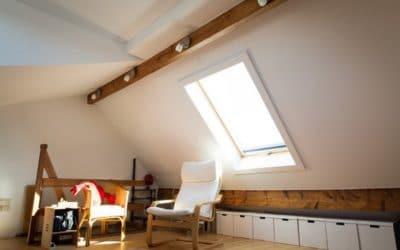 Aménagement intérieur avec nouveaux châssis et fenêtre de toit