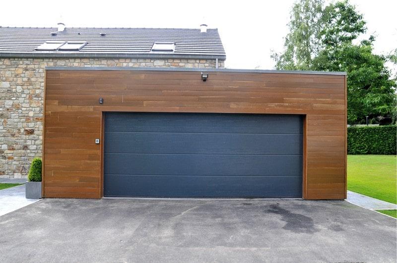 pose d 39 une nouvelle porte d 39 entr e et porte de garage. Black Bedroom Furniture Sets. Home Design Ideas