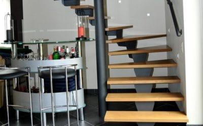Escalier sur mesure en bois et alu dans une habitation