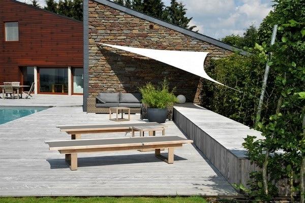 Terrasse en bois et voile d'ombrage à Malmedy