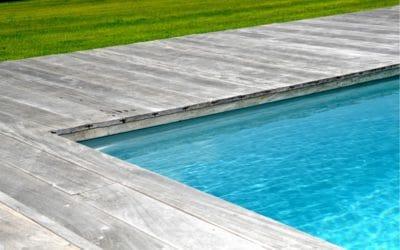 Réalisation d'une terrasse en bois et aménagements extérieurs