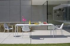 Tables et chaises pour l'extérieur - Joli