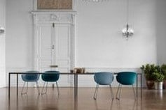 Tables et chaises bleues Ondarreta