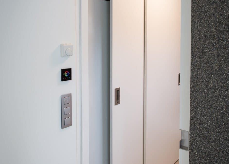 Réalisation de portes « à galandages » coulissantes à l'intérieur d'une cloison
