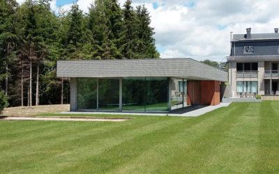 Nouvelle réalisation d'un pool house moderne et design