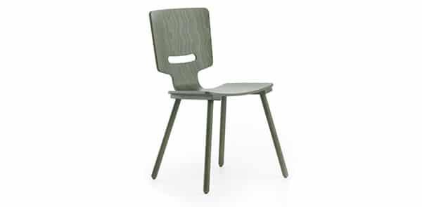 Chaise verte de la marque Pode