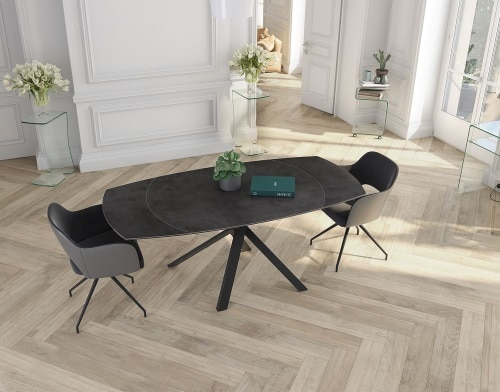 Table et chaises de la marque Akante