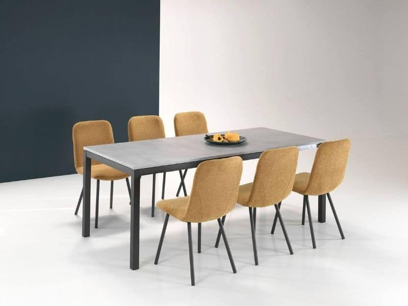 Chaises jaunes - Unic Design
