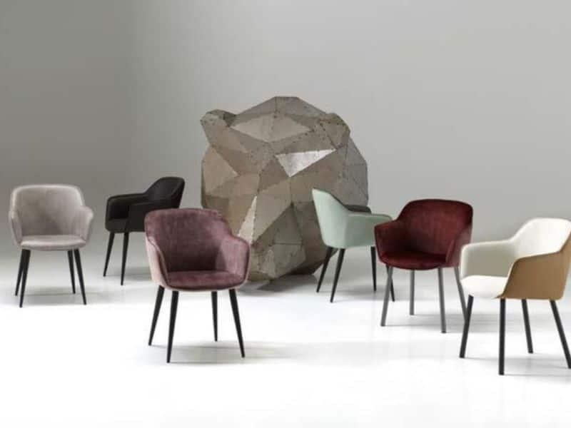 Chaises colorées - Unic Design