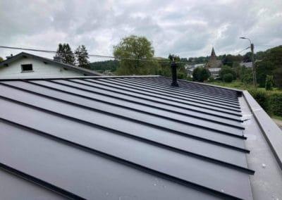 Rénovation de la toiture d'un bungalow par Alain Rosen